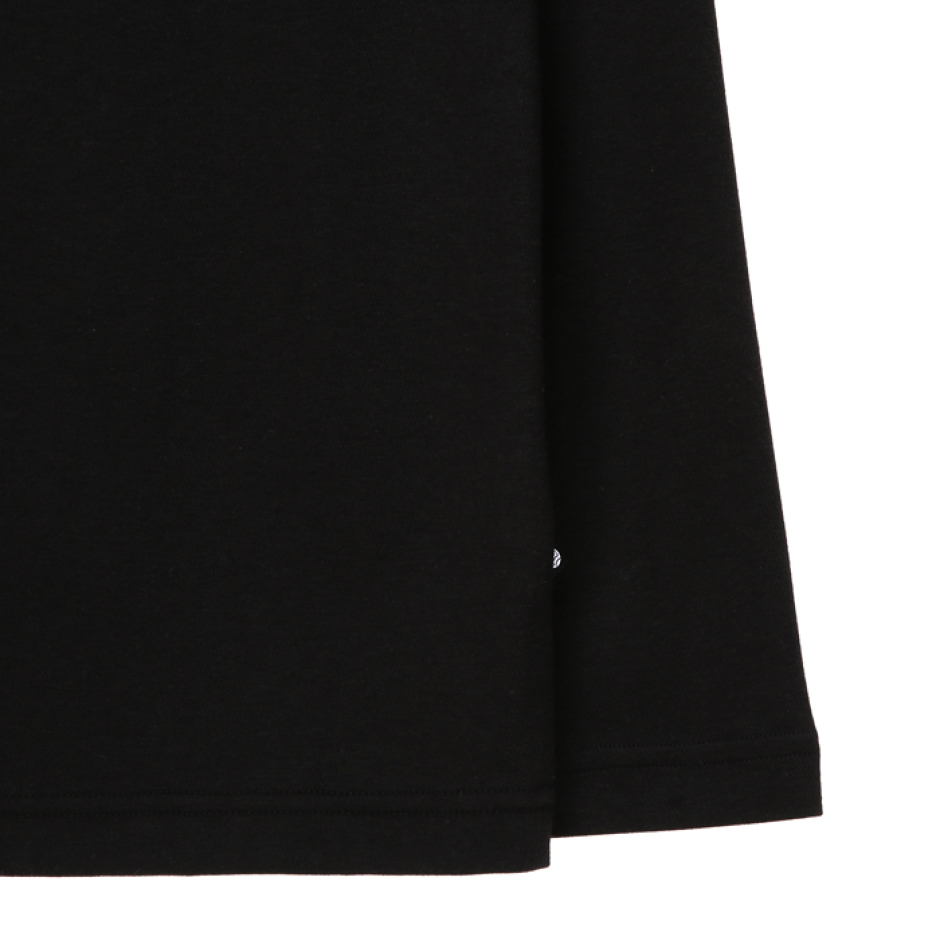 박스형 로고 라운드 티셔츠
